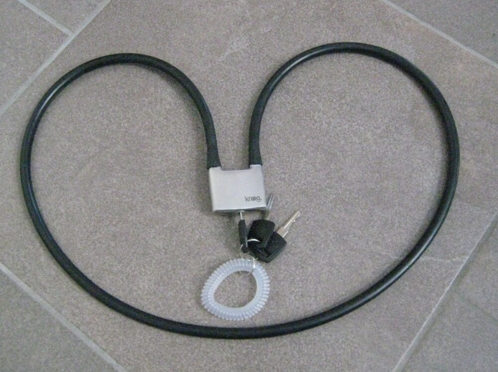 Knog Whiplock review - a bike lock I can wear over my shoulder