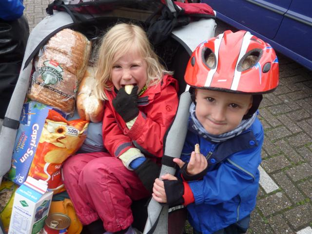 Using a children's bike trailer on a family cycling holiday to Holland