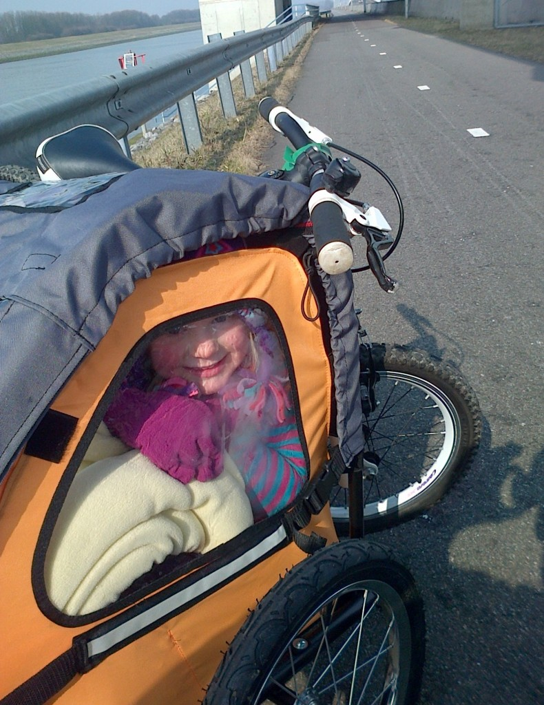 Review of the Bumper Adventure Duo Bike trailer during a family cycling holiday to Holland