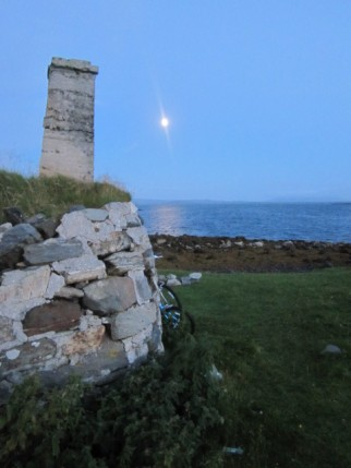 Moon from tent pitch, Berneray Hostel