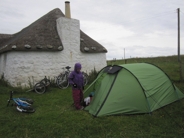 Waiting out the storm, Howmore Hostel, South Uist