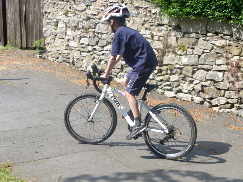 The best road racing bikes for kids with 20 inch wheels - Frog 58 road bike