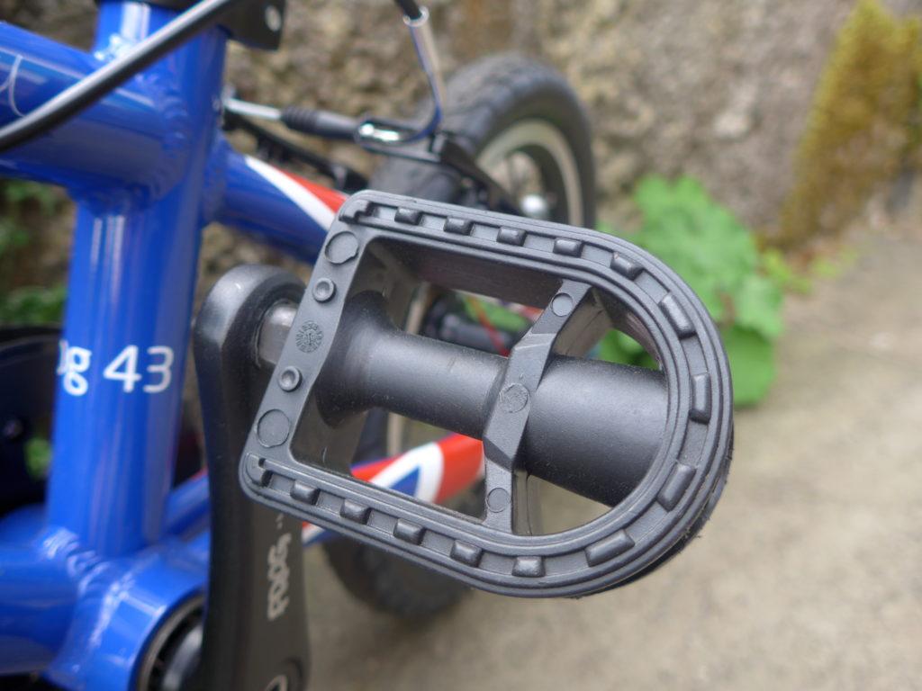 Frog 43 Plastic pedals - kinder to shins!