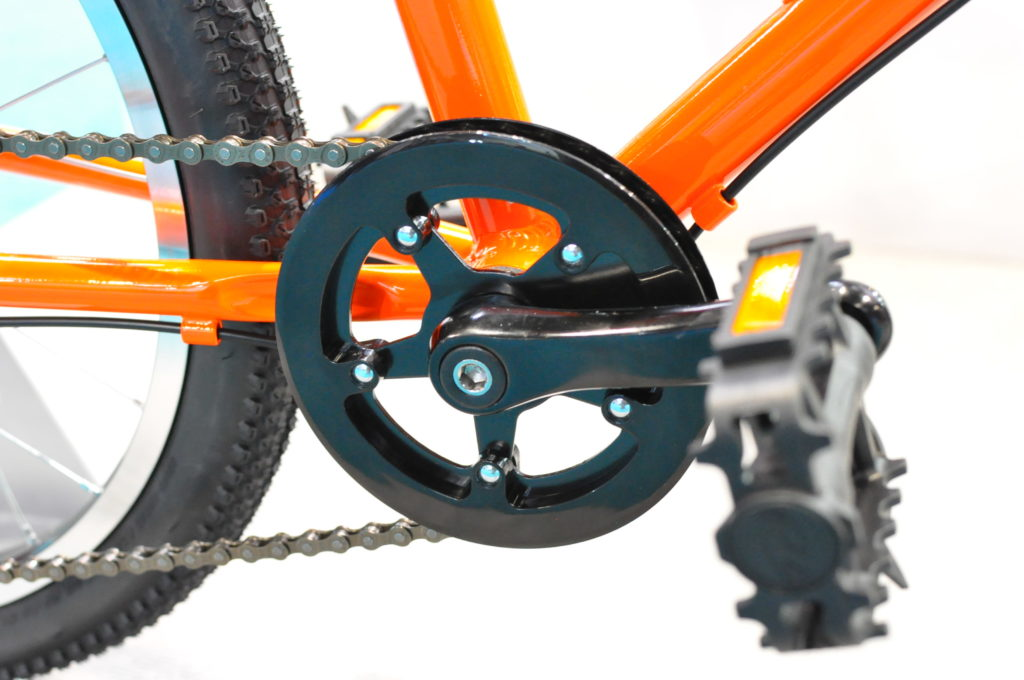The Vitus Bikes Twenty Kids bike has a single ring at the front to keep gear changes simple