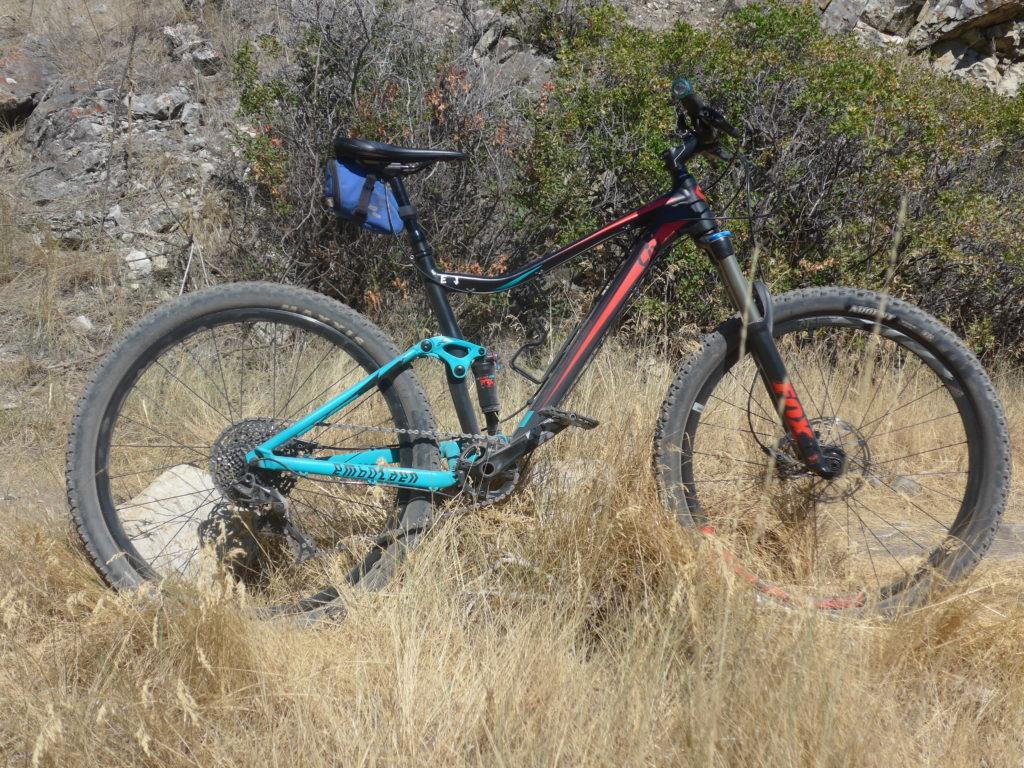 iv Embolded women's mountain bike
