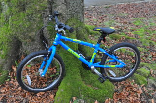 """Squish Bikes Review - the Squish 18 single speed cheap kids bike with 18"""" wheels"""