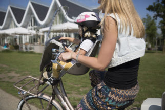 Bobike front seat in use