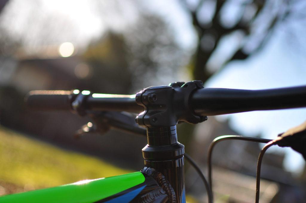 kids full suspension mountain bike - Cuda Impact bars