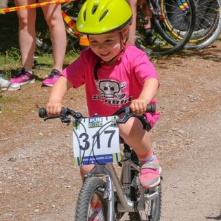 Cycle racing for girls - Arizona racing her Early Rider Bike