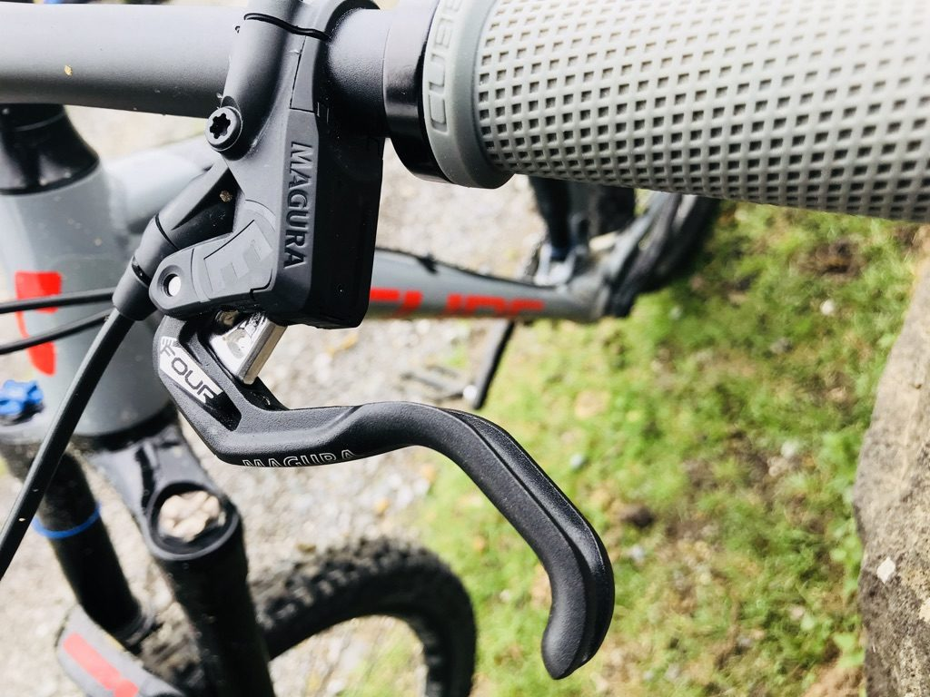 Cube Stereo 140 Youth Magura brake lever