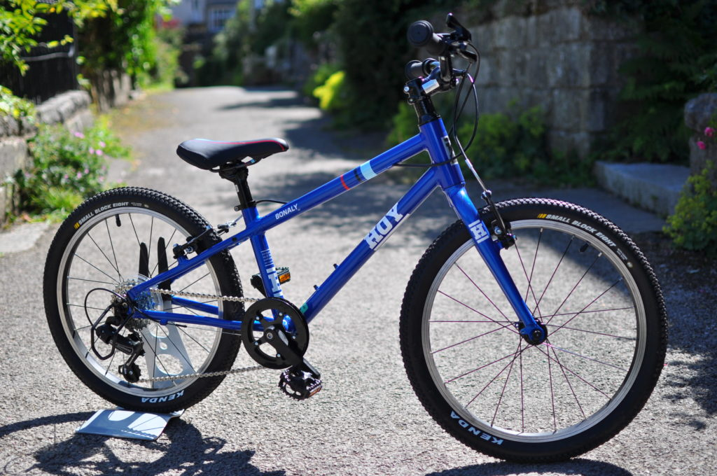 """Hoy Bonaly 20 review - a 20"""" wheel kids bike for a 6 year old or 7 year old"""