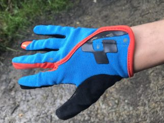 Cube kids cycling glove - easy to get on