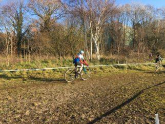 U14's cyclocross race on the Worx JA700 kids cyclocross bike