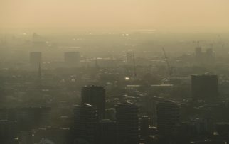 Air pollution in London by Frederic Tubiermont on Unsplashed