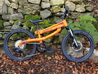 """Black Mountain HUTTO 20"""" wheel kids mountain bike with suspension forks and growing frame"""