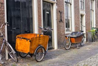 2 vs 3 wheeled cargo bikes