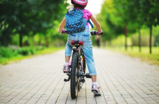 Checking the saddle height is correct for your child