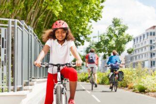 Correctly fitting bike helmet