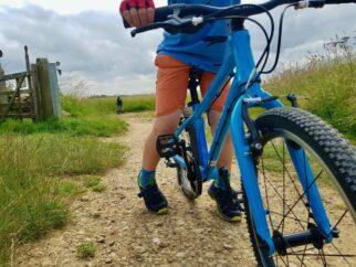 Forme kinder 20 kid riding bike